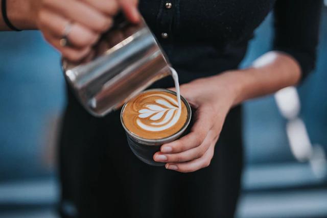¡Todo lo que necesitas saber para preparar el mejor café con tu espumador de leche!
