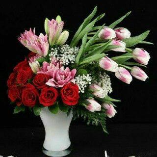 Karangan Bunga Di Lubang Buaya
