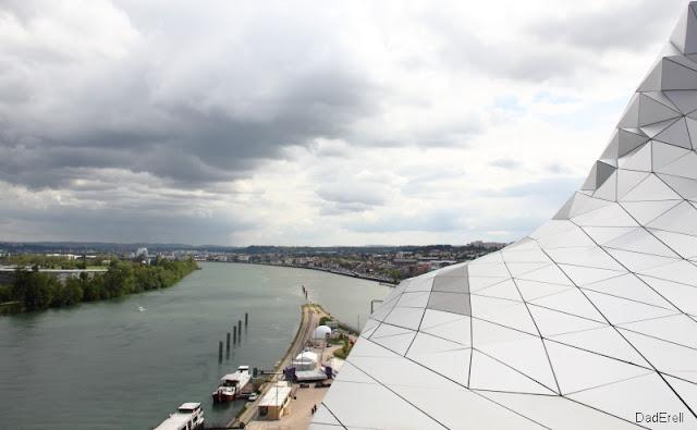 Le Rhône à Lyon vers l'aval