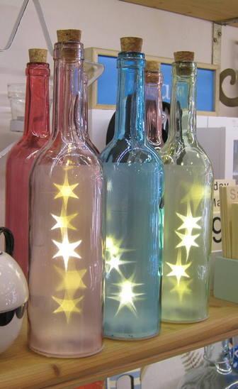 Botellas luminosas con luces led, en varios colores.