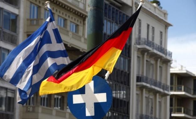 """Διπλό γερμανικό """"όχι"""" για τις αποζημιώσεις στην Ελλάδα"""