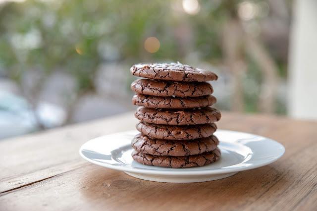 Brownie Crinkle Cookies on a plate