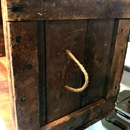 DIY Stenciled Antique Crate. Homeroad.net