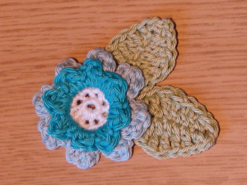 Happy Berry Crochet Free Flower Applique Crochet Pattern