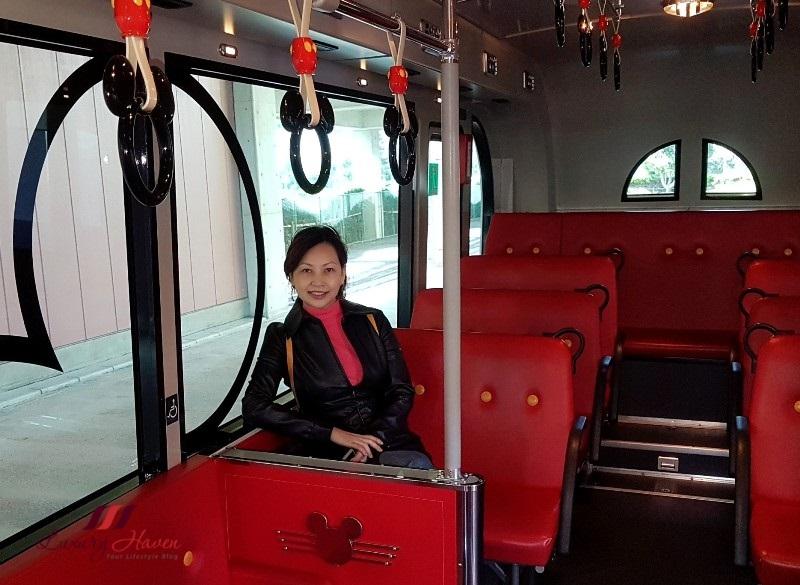 tokyo disneyland resort cruiser shuttle bus