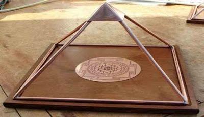 Piramida tembaga buatan sendiri