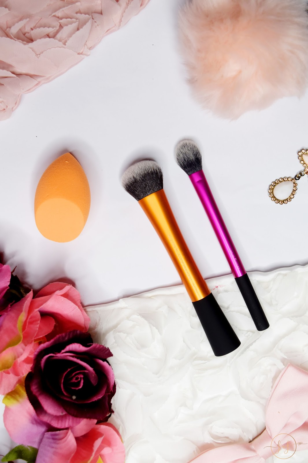 Trying Real Techniques Sponge & Brushes | Review