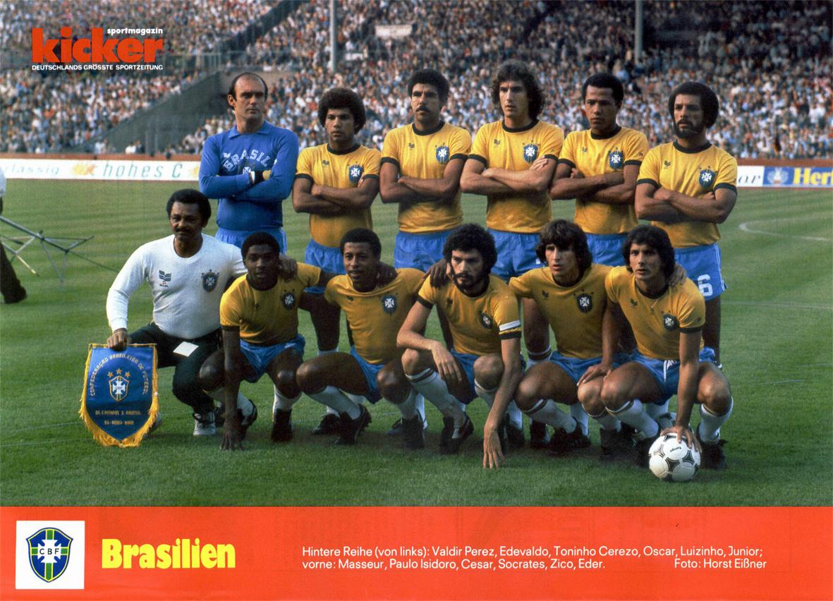 0a24b82efc Botões para Sempre  Foto histórica - Futebol  Brasil 1982 + Álbum Ping Pong  1982