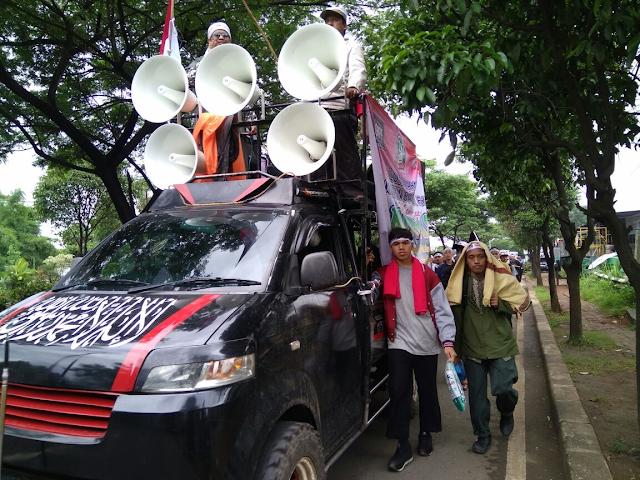 Reuni 212: Massa GNPF Ulama Bogor Long March Tuju Monas