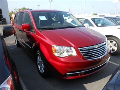 best car models all about cars chrysler 2012 town country. Black Bedroom Furniture Sets. Home Design Ideas