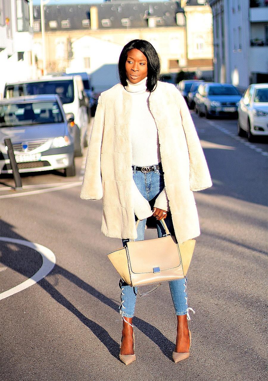 manteau-fausse-fourrure-beige-sac-celine-trapeze-jeans-taille-haute
