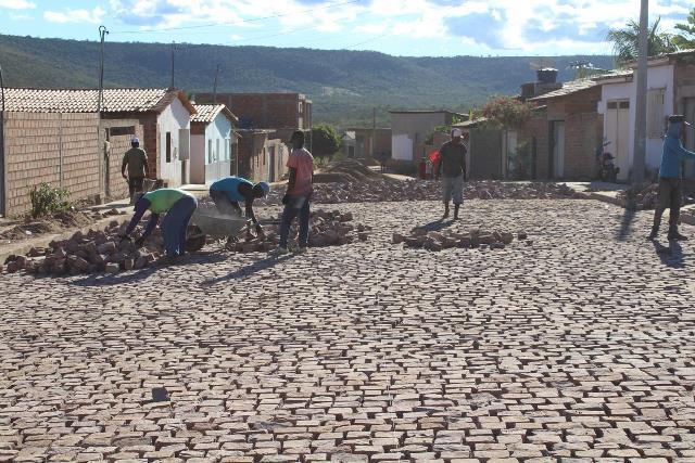 Prefeitura de Itaetê avança em obras de pavimentação pelo município