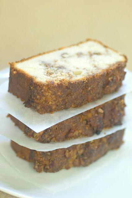 עוגת קינמון ואגוזי לוז