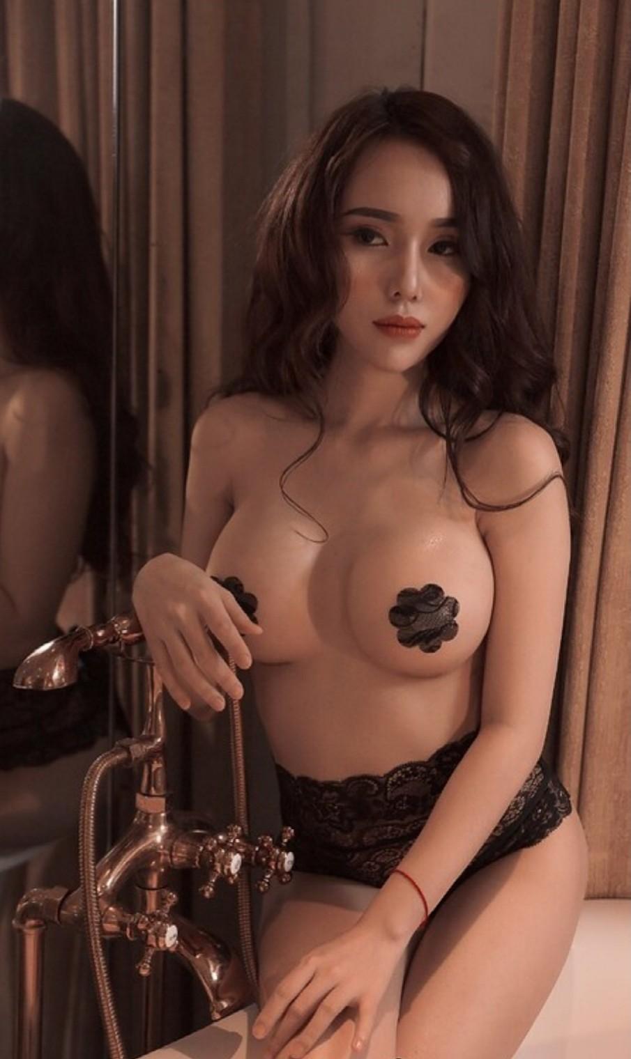 Rượu và em say ai bây giờ @BaoBua: Việt Nam Nude Girl
