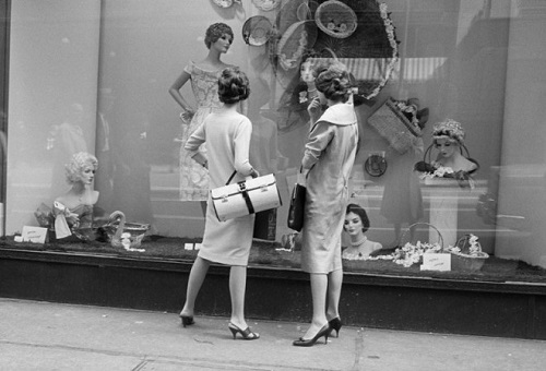Photo by Vivian Maier | imagenes bonitas bellas en blanco y negro, cool vintage pics, pictures