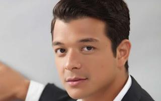 """Jericho Rosales sebagai pemeran Ronualdo """"Waldo"""" del Mar"""