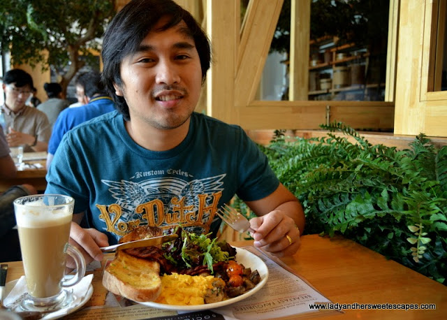 Ed and his big breakfast at Social House