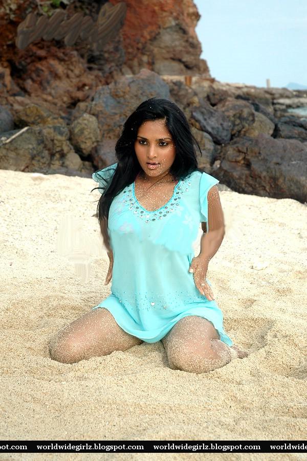 Hot Actress Divya Spandana -2452