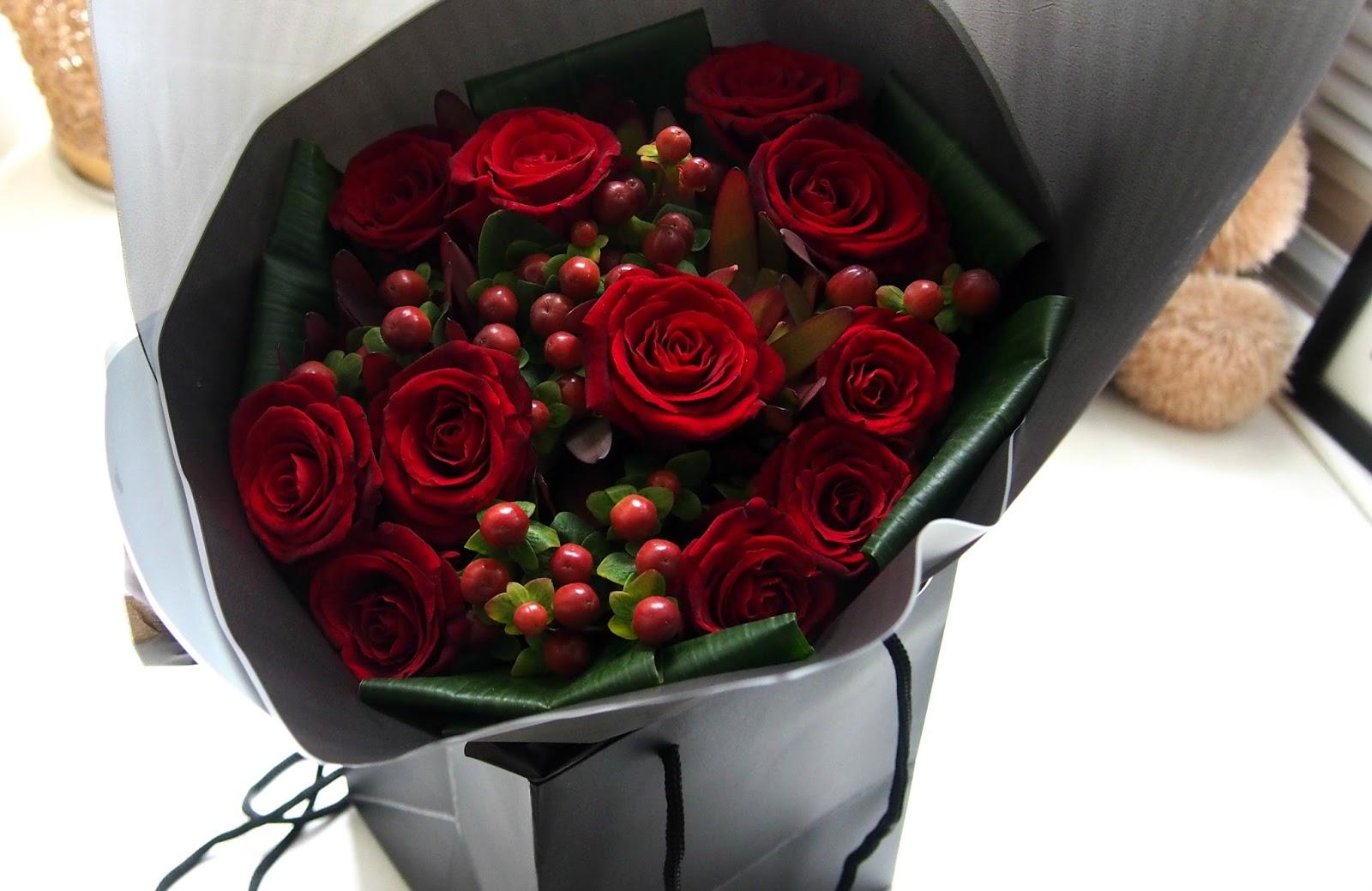 Roses in gift bag