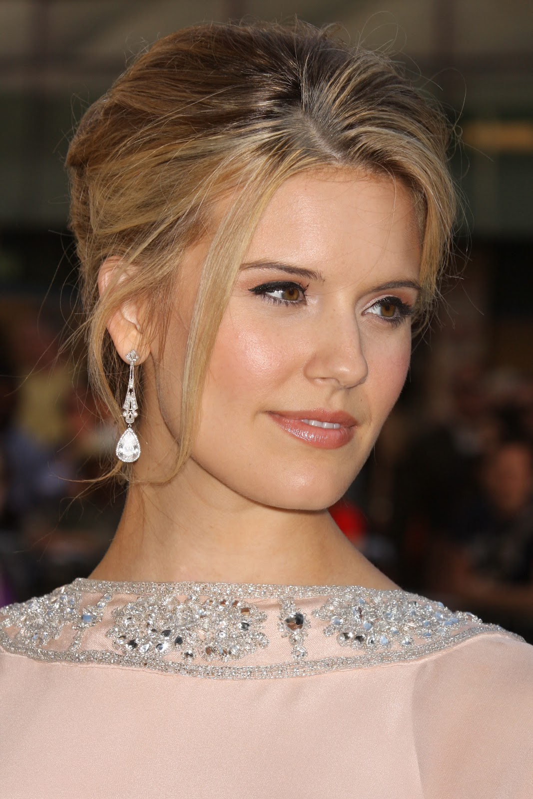 Maggie Grace Profile-Images 2012 | Hollywood Stars
