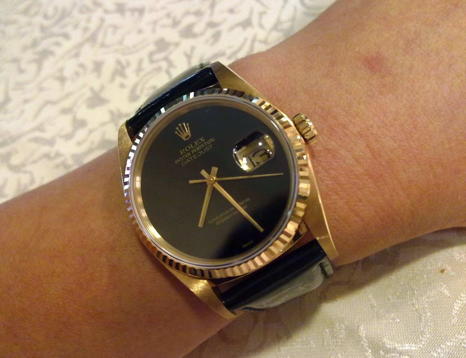 4003848bcf7 Rolex Date Just 18 Kt Yellow Gold Onyx Dial