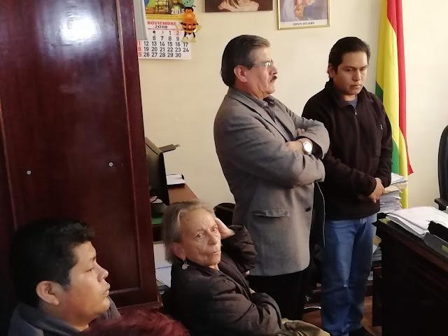 Gutiérrez fue acompañado en la audiencia de este jueves por miembros del CONADE / ABI