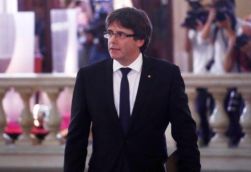Puigdemont pospone efectos de la declaración de independencia y pide abrir un diálogo