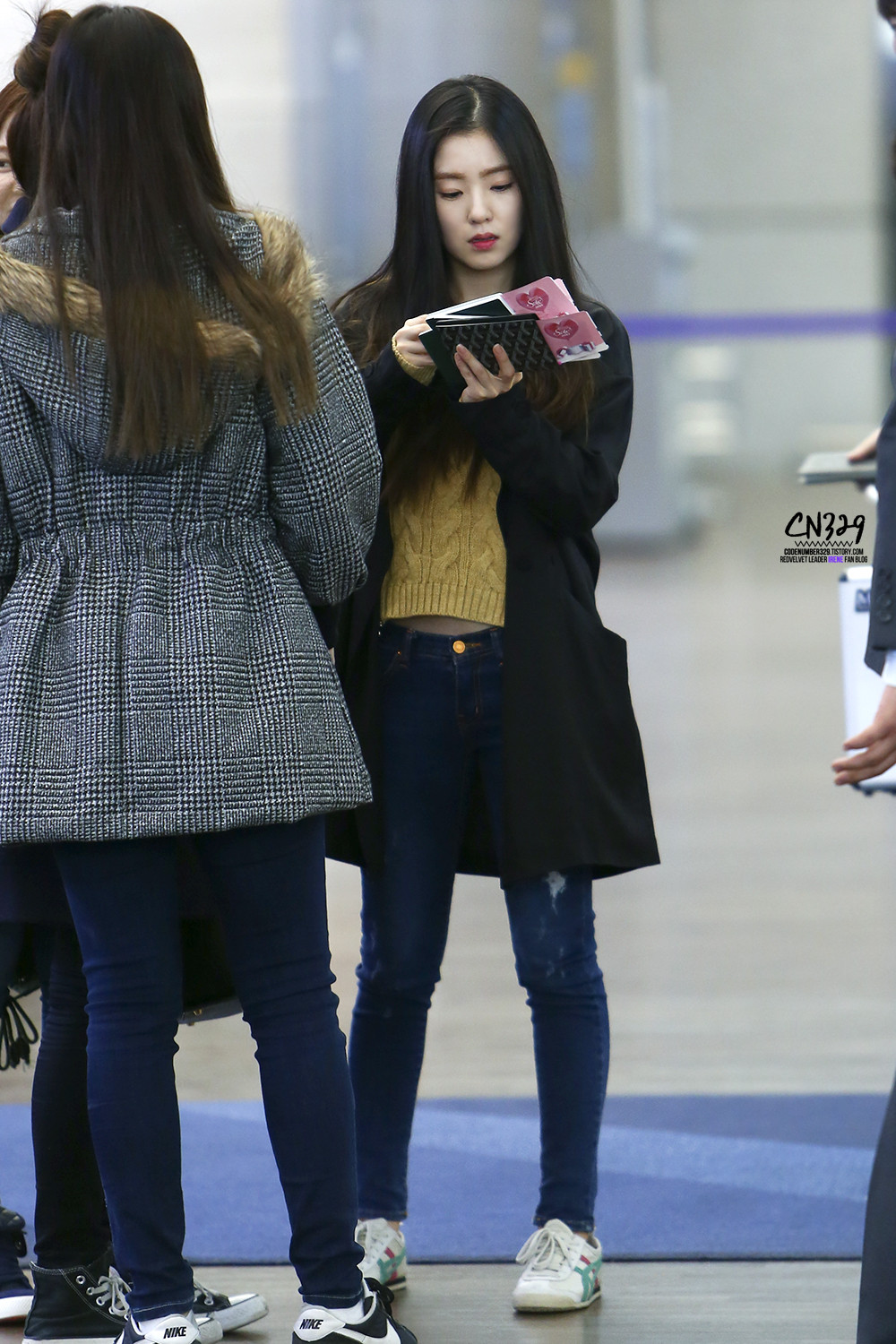 irene velvet airport korean official larger