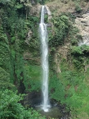 Air Terjun Curug - berbagaireviews.com