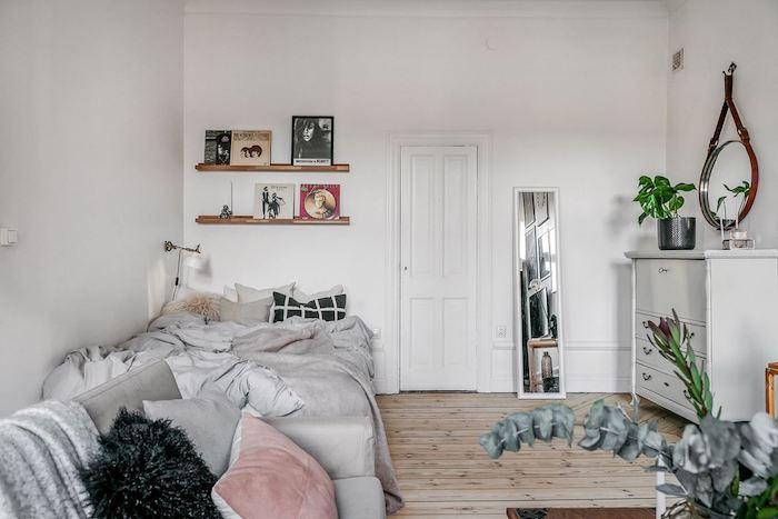 Como dar un aspecto juvenil y romántico a un apartamento antiguo, salón y dormitorio
