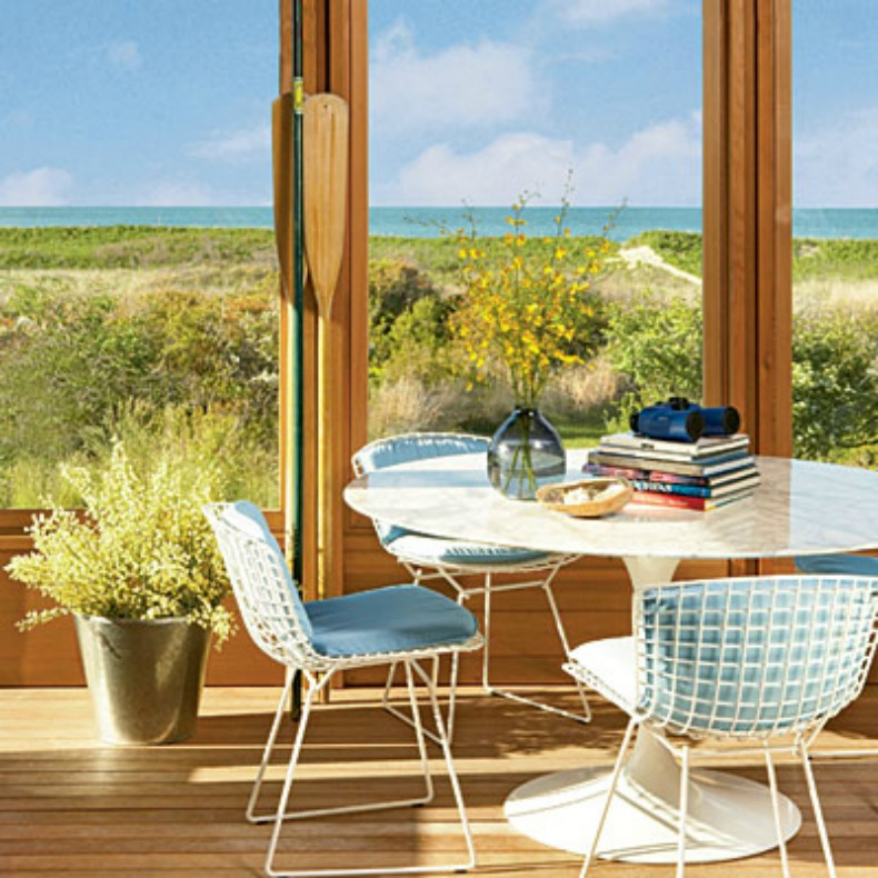 coastal cottgae cozy dining room with ocean view