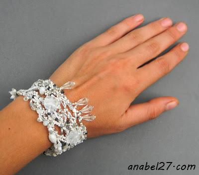 freeform bracelet white beadwork beading beadweaving