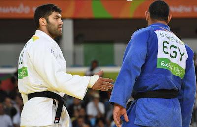 Antissemitismo - Derrotado, judoca muçulmano se recusa a cumprimentar judeu