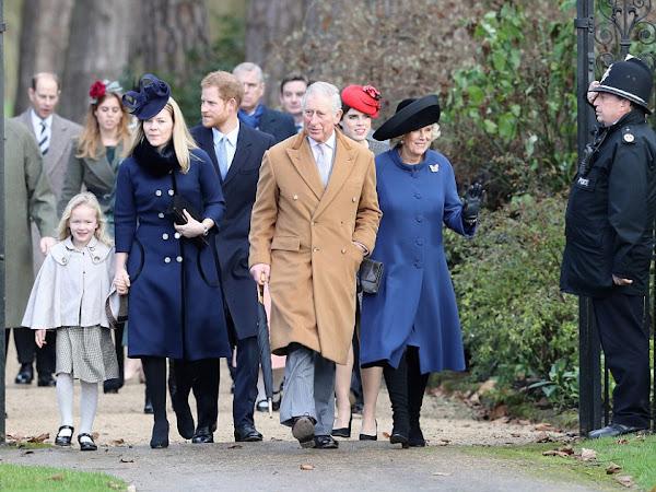 Rodzina Królewska na Nabożeństwie w Sandringham.
