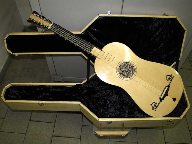 Classical ten-string guitar made by Furio Sciumbata, Livorno