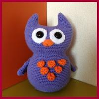Búho púrpura amigurumi