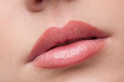 Perawatan Mudah Dan Simpel Untuk Daparkan Bibir Cerah Dan Cantik Alami