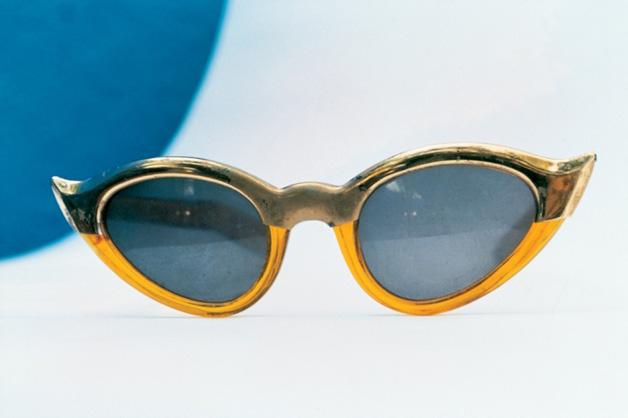 Óculos estilo gatinho de Frida Kahlo