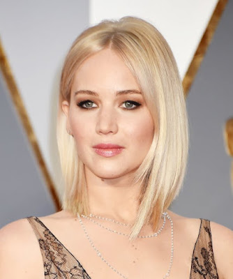jennifer-lawrence-flaunts-new-hairstyle