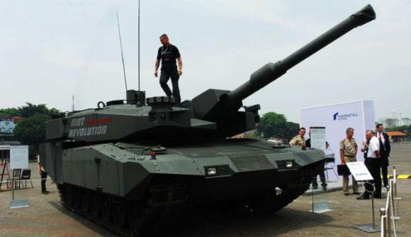 Leopard RI saat Indo Defence 2012
