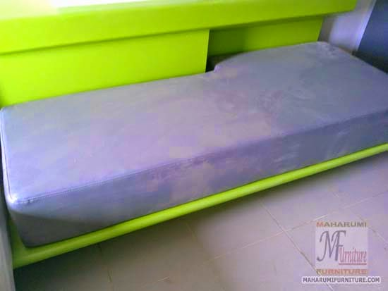 Projects Hotel Pop Tebet Jakarta: Rangka Bodi Sofa Bed Samping Tempat Tidur Finishing Cat Duco View Kamar Hotel