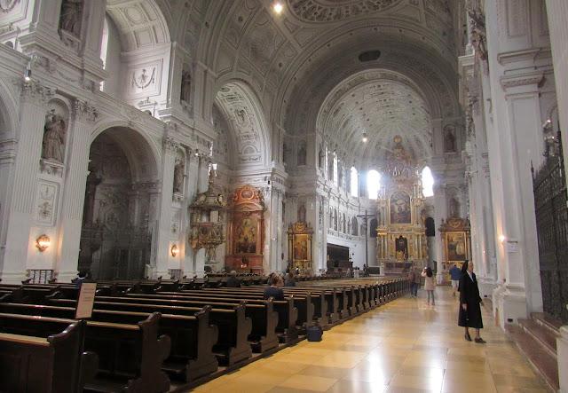Igreja de São Miguel O que ver em Munique Alemanha