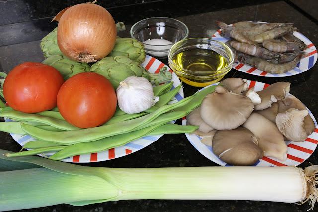Ingredientes para menestra de verduras con langostinos