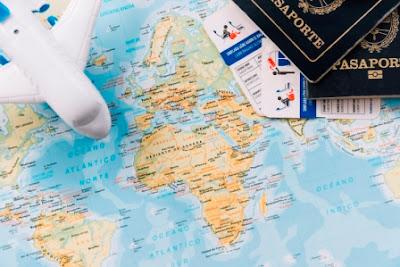 paszport mapa i samolot