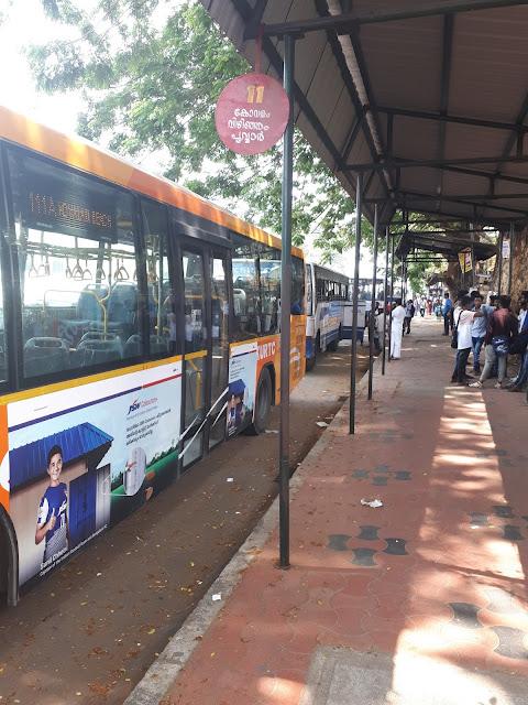 Bus Stop n° 11 pour Kovalam à Thiruvananthapuram