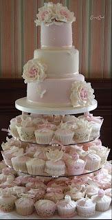 bolo+noivos70 - Bolo de Casamento Clássico - Inspirações