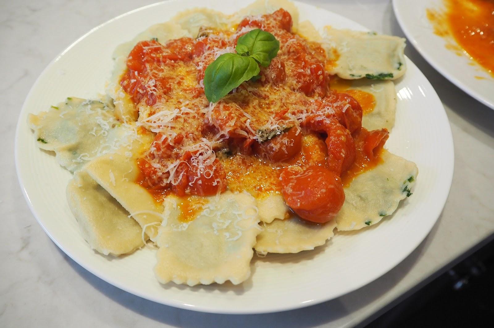 Voila tomoto topped ravioli dinner