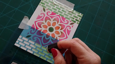 painting-with-stencil-card