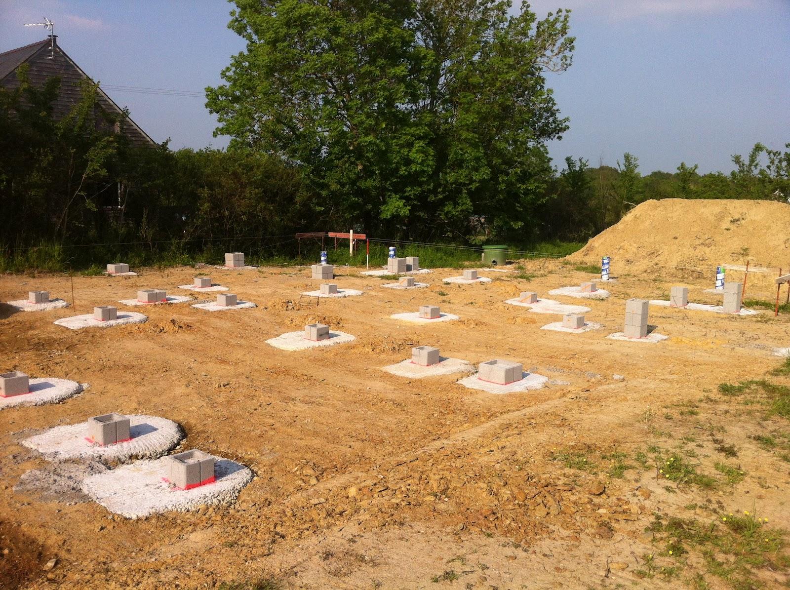 Maison bois sur plots beton obtenez des id es de design int ressantes en for Maison bois sur plots