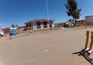 Aduana boliviana na fronteira Bolívia / Peru.